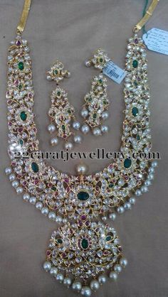 Gold Kundan Necklace Set From Amaravati ~ South India Jewels - Stunning bold kundan necklace set and matching earrings. For inquiries please contact the seller be - India Jewelry, Temple Jewellery, Gold Jewellery Design, Diamond Jewellery, Diamond Choker, Diamond Pendant, Necklace Set, Ruby Necklace, Wedding Jewelry
