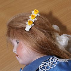 Crochet daffodil by Annie's Granny Design, free pattern