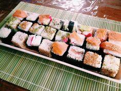 Rice Cube Sushi #Sushi #sushicube #ricecube Asian Foods, Asian Recipes, Ethnic Recipes, Rice Cube, Cubes, Sushi Sushi, Fans, Drink, Happy