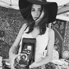 Victoria Justice https://instagram.com/p/19WdwDnIEW/?taken-by=victoriajustice