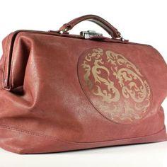 With logo of STOFFELDESIGN New Bag, Louis Vuitton Speedy Bag, Tote Bag, Logo, Leather, Logos, Totes, Tote Bags, Environmental Print