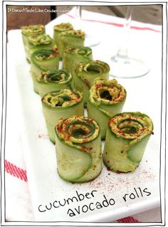 Cucumber Avocado Rolls - a pretty appetizer that's perfect for vegans, vegetarians, gluten free, and healthy eating. These are like little mouth explosions! Raw Vegan Recipes, Vegetarian Recipes, Vegan Raw, Vegan Vegetarian, Raw Vegan Dinners, Vegan Apps, Cucumber Avocado Rolls, Avocado Dishes, Cucumber Snack