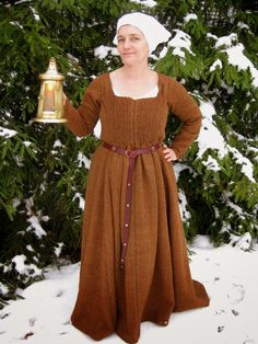 Mekko keskiaikaisesta Turusta / Dress from the medieval Turku - dated to late 1400s/ 15th Century