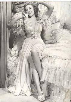 joan blondell- I want to be wearing that robe/ nightgown right NOW