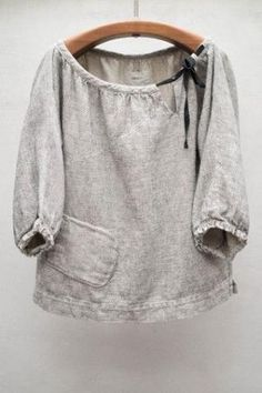 Stone Rende Top// grey linen peasant blouse with black tied bow, bottom side pocket, length sleeve Sewing Clothes Women, Diy Clothes, Clothes For Women, Sweat Clothes, Fashion Kids, Boho Fashion, Womens Fashion, Inspiration Mode, Peasant Blouse