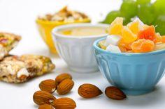 Potraviny s negativní kalorickou hodnotou, jejichž trávením tělo vydá více kalorií než získá Healthy Low Carb Snacks, Diabetic Snacks, Healthy Pastas, Diabetic Recipes, Healthy Dinner Recipes, Healthy Fruits, Stay Healthy, Healthy Office Snacks, Snacks For Work