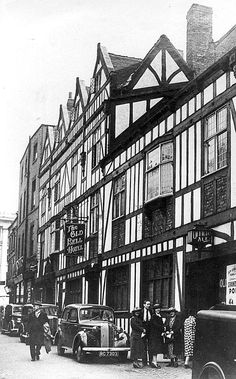 * The Bell Hotel in Sadler Gate just after the war Local History, Family History, Derby County, Royal Crown Derby, Peak District, Derbyshire, Old Photos, Gate, Old Things