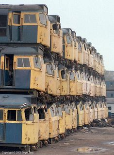 Railroaded: 9 Nifty Abandoned Train Car Graveyards ( To stack locomotives this well requires lots of TRAINing ! Abandoned Train, Abandoned Mansions, Abandoned Buildings, Abandoned Houses, Abandoned Places, Train Car, Train Tracks, Parks, Photos Originales