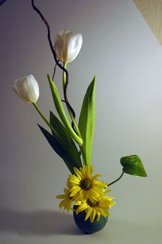 ikebana by luke kurtis on Flickr.