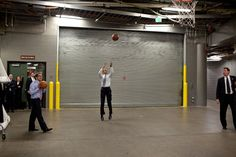 Photo of the Day: President Obama takes a Jump Shot  