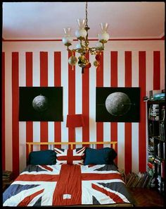 A touch of red white and blue my colors on pinterest for Union jack bedroom ideas