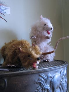 My soft sculpture rats Cere and Bella photographed while on display in Dollirium's gallery!  Shelley Long took the photo and included it in her review of the show!
