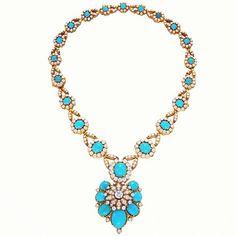 Van Cleef #vancity #vancleef #vancleefandarpels #vancouver #handmade #highjewellery #wealth #paris #picoftheday #nyc #la #london #russ #russia #awesome #asia#syle #timeless #diamond #jewels #cool #celebs #stars