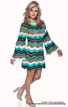 CARAMELO ARDIENTE es... LA PRINCESA DEL CROCHET: en zig zag y en color: este vestido es lucidor