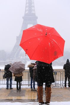 Snow at Eiffel Tower