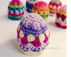 10 Free #Crochet Patterns for Easter Egg Cozies - Colorful Easter Egg Crochet Cozy Pattern