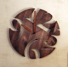 Купить или заказать Часы из дерева в интернет-магазине на Ярмарке Мастеров…
