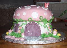 I miei hobby: Torta fungo/ Toadstool cake.