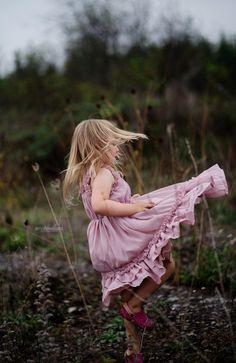 children photography, mauve dress, spring crown, field photography, meadow, toddler girl photography #odessa #amherstview #napanee #KingstonFamilyPhotographer #KingstonFamilyPhotographer #youngandfree #bornwild #freespirit