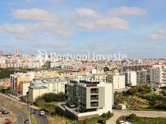 Vista sobre a cidade, Fantástico Apartamento T4 de 191m², com garagem, no Park View, em Almada - Portugal Investe