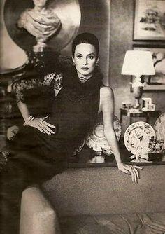 Irresistible Paris: the beautiful Karen Graham