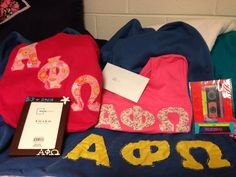 Cute to have something like this for APOti Alpha Phi Omega, Big Little, Brother, Presents, Handmade Gifts, Cute, Crafts, Recipes, Manualidades