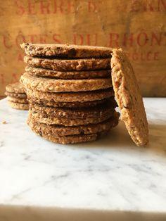 Biscotti Digestive: buoni come quelli originali – Tortellini&CO Cheesecake Desserts, Tortellini, Mousse, Biscuits, Good Food, Chiffon, Cookies, Recipes, Crack Crackers