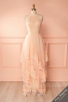 Blush tulle and embroidered lace layered bridesmaid gown - Robe longue de dame d'honneur rose pâle en tulle et dentelle brodée étagé
