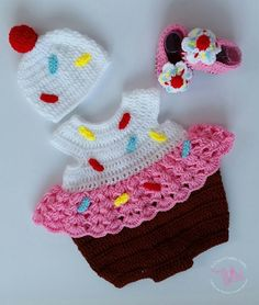 (4) Name: 'Crocheting : Baby Cupcake Costume