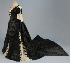 Worth presentation dress worn by Harriet Lane ca. 1898  From Whitaker Auctions