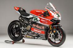 WSBK : Akrapovic partenaire de Ducati Corse