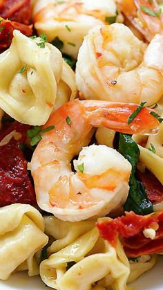 Garlic Shrimp Tortellini ~ AMAZING tortellini with garlic shrimp... Super easy recipe, takes 20 minutes, so delicious and better than restaurant'