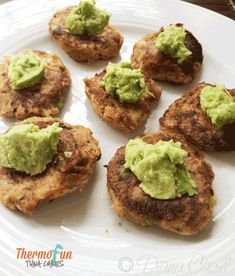 Thermomix Tuna Cakes Recipe - perfect snack for babies and kids Tuna Cakes, Food Cakes, Baby Food Recipes, Cake Recipes, Cooking Recipes, Tuna Patties, Decadent Food, Healthy Meals To Cook, Healthy Eating