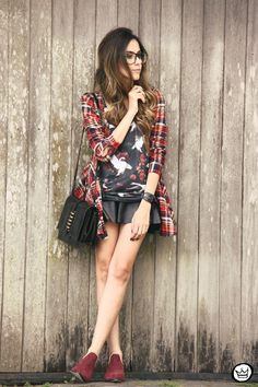 http://fashioncoolture.com.br/2013/11/23/look-du-jour-i-will-follow-you-into-the-dark-3/