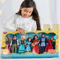 Elena of Avalor Deluxe Classic Doll Gift Set Features Elena Mateo Isabel Naomi and Gabe *** Find out more about the great product at the image link. Hi Gorgeous, Christmas Gifts 2016, Baby Doll Accessories, Doll Divine, Disney Dolls, Disney Princesses, Diy Wardrobe, Dolls For Sale, Disney Junior