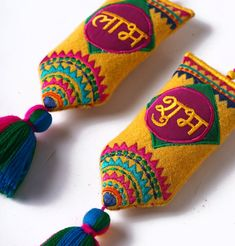 Embroidery Flowers Pattern, Flower Patterns, Hand Embroidery, Thali Decoration Ideas, Diwali Decorations, Diwali Craft, Diwali Gifts, Tie Dye Crafts, Diy Crafts