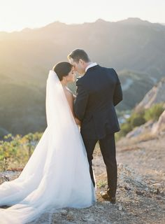 Sunset wedding: http://www.stylemepretty.com/little-black-book-blog/2017/01/16/romantic-malibu-wedding-on-a-hilltop/ Photography: Kurt Boomer - http://www.kurtboomer.com/