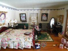 Hofco Federal Victorian Dollhouse girl's room