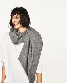 Image 4 of SPECIAL EDITION 100% CASHMERE SCARF from Zara