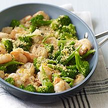 Weight Watchers Garlicky Shrimp with Broccoli and Toasted Breadcrumbs