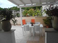 Casa Vacanze Marianna Otranto Offering a garden, Casa Vacanze Marianna offers pet-friendly accommodation in Otranto. Castello di Otranto is 400 metres from the property. Free private parking is available on site.  All units feature a seating area.