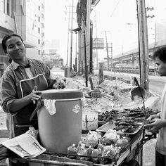 #bangkok #thai #streetfood #living #space #architektur #architecture #architecturelover #architecturedesign #style #decoration #interior #instadesign #design #interiordesign #cool #archilovers #architecturephotography #street #blackandwhite #art #people Thai style