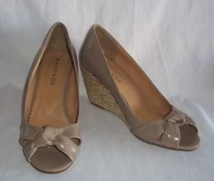 Rampage Kimora Beige Size 9.5 M Wedge Peep Toe Shoes