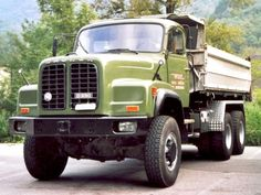 Saurer D330  6x6 Transporter, Busses, Vintage Trucks, Cars And Motorcycles, Cool Cars, Antique Cars, Jeep, Transportation, Monster Trucks