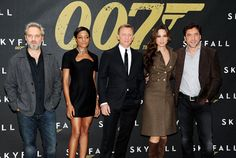 Javier Bardem se presenta como el malo de la última película de James Bond en Nueva York #skyfall #007 #actors #celebrities #people