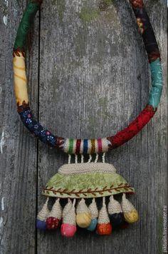 Купить Предчувствие цветения текстильное колье - разноцветный, украшение, на шею, украшения ручной работы, колье