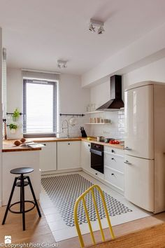 bardzo podobna posadzka Kuchnia - zdjęcie od Loft Factory - Kuchnia - Loft Factory #smallkitchen