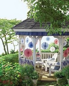 Cute idea to spruce up your gazebo for a patriotic holiday!