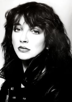 Kate Bush by Brian Aris 1979 Music Icon, Her Music, Rock Chic, Glam Rock, Hounds Of Love, Uk Singles Chart, Female Singers, Celebs, Celebrities