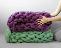 Ohhio's Grande Punto blankets. Chunky blanket. Giant knit. Cozy throw. 23 microns merino wool